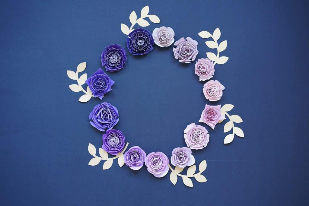 Deluxe rolled paper flower set