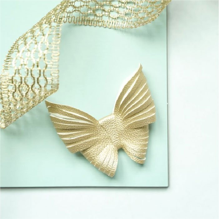 Blended butterfly bow