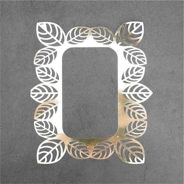 Metallic leaf frame
