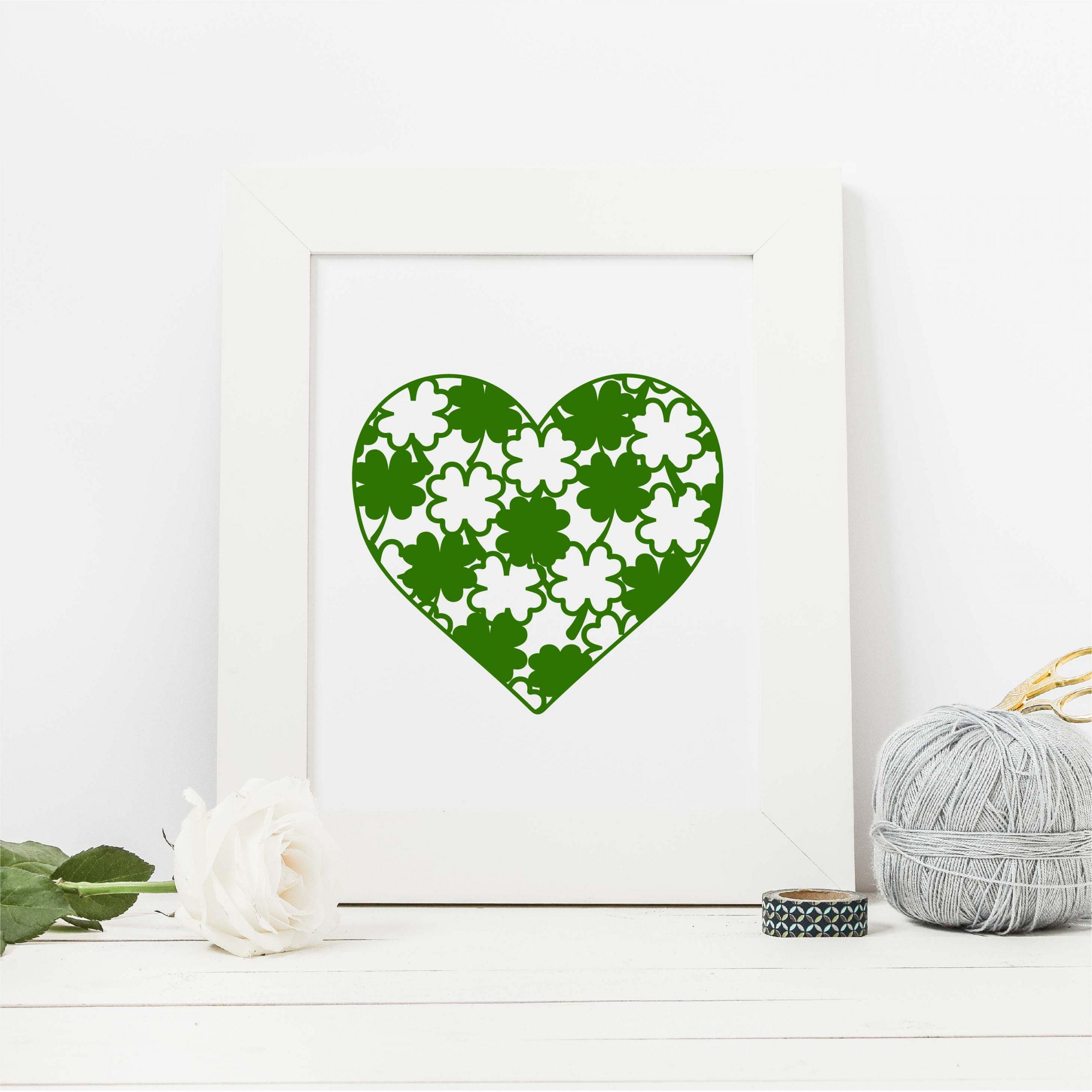 clover pattern heart